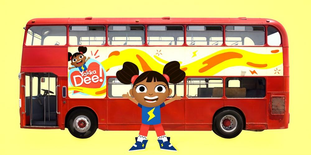 Dee with a bus